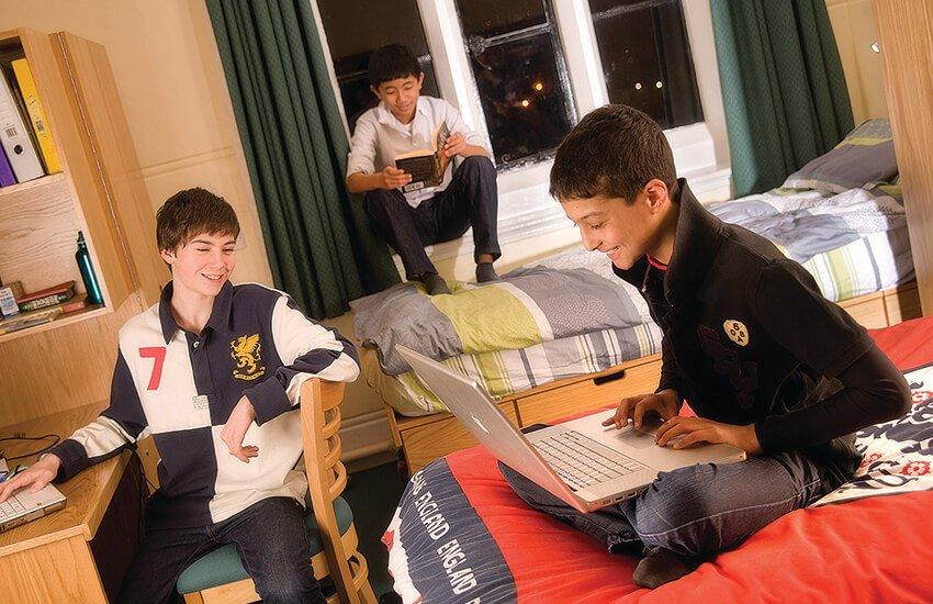 Summer Courses at Bromsgrove School